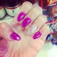 Stilleto nails- I want to try them just once!!