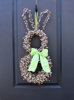 Easter Bunny Wreath #diy #ideas #decor #home #teamnissan #newhampshire #newengland #nh