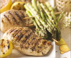 Grilled Tuscan Chicken with Lemon and Oregano - an overnight soak in a buttermilk brine is the secret to juicy grilled chicken. Butter Chicken, Lemon Chicken, Grilled Chicken, Yummy Chicken Recipes, Yummy Food, Healthy Recipes, Tasty, Tuscan Chicken, Dinner Recipes
