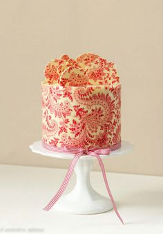 #Paisley Printed #Chocolate #Wrapped Little Cake #foodblogger #food #blogger #cake #cakedesign #idea #cucina www.isaitaly.com