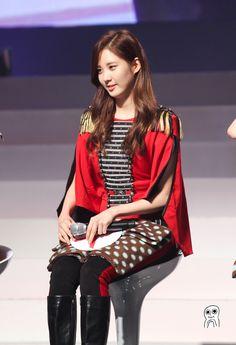 少女時代 Look Concert 2012 #snsd #soshi #seohyun