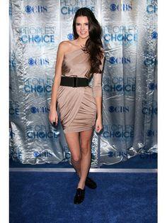celebrity-style-style-timeline-2012-07-03-kendall-jenner-fashion-timeline.jpg (408×544)