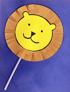 Cute Lion Puppet Craft for Preschoolers - this would be a great Carnival of the Animals activity!