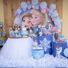 Check out the decorating ideas for a Frozen Party, are images, videos and creativity to help you put together a super freezing party. Frozen Birthday Decorations, Frozen Themed Birthday Party, Elsa Birthday, Disney Frozen Birthday, Birthday Party Themes, Frozen Party Table, 3rd Birthday, Decoration Buffet, Free Images