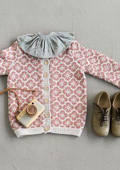 Ravelry: Blomsterjakke pattern by Sandnes Garn Baby Knitting Patterns, Baby Clothes Patterns, Knitting For Kids, Knitting Projects, Clothing Patterns, Kids Clothing, Baby Coat, Fair Isle Knitting, Look Vintage
