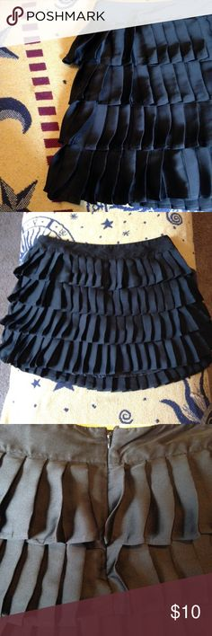 "❌FINAL❌Ruffle Pleated Mini (Xxi is part of Forever 21). Cute ruffled pleated mini. Would look cute with heels and basic white top. Part of a part outfit or night out. Excellent condition. From waist to hem: 14.5"" Forever 21 Skirts Mini"
