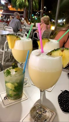 Party Drinks Alcohol, Fancy Drinks, Alcohol Drink Recipes, Bar Drinks, Alcoholic Drinks, Cocktails, Refreshing Drinks, Summer Drinks, Food Goals