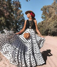 spanish style homes dfw Boho Outfits, Skirt Outfits, Dress Skirt, Cute Outfits, Fashion Outfits, Fashion Mode, Boho Fashion, Womens Fashion, Lifestyle Fashion