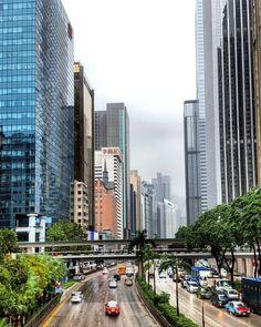 """""""Leichter"""" Sommerregen in Hong Kong. Danke Typhoon Khanum"""