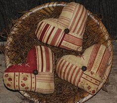 Ornies/Tucks - Valentine`s Day - Primitive Handmade Crafts and Home Decor by Old Annie would be good in a basket of cross stitched mini pillows Valentines Day Hearts, Valentine Day Crafts, Valentine Heart, Holiday Crafts, Handmade Home Decor, Handmade Crafts, Fabric Hearts, Paper Hearts, Old Quilts
