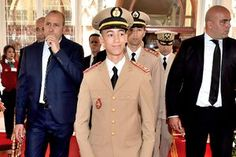 Son altesse royale My Hassane 👏🎩🎓 Day Army FAR Marocco Prince, Paris Match, Morocco, Captain Hat, Religion, Royalty, Suit Jacket, Army, Hats