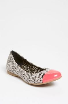 Ditch the Heels, Girls: 10 Winter Flats to Ease Your Tired Soles : The petal-pink cap toe on these Jessica Simpson Maine Flats ($79) is the perfect accompaniment to the cool snakeskin print.