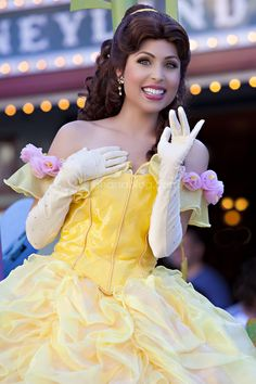 Disneyland // Mickey's Soundsational Parade // Beauty and the Beast // Belle