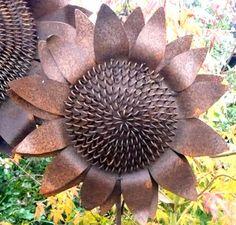 Cut Iron Metal Medium Sunflower Garden Stake Yard