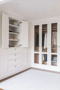 New bedroom wardrobe modern dream closets Ideas Bedroom Closet Design, Closet Designs, Bedroom Decor, Bedroom Signs, Decorating Bedrooms, Bedroom Ideas, Dressing Room Closet, Dressing Room Design, Dressing Rooms