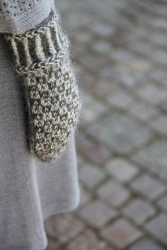 Ravelry: Wisby mittens pattern by Sofia Kammeborn