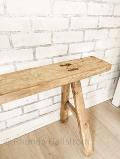 Rustic Wood Bench, Reclaimed Wood Benches, Antique Bench, How To Antique Wood, Raw Wood, Solid Wood, Earthy Home Decor, Long Bench, Coffe Table