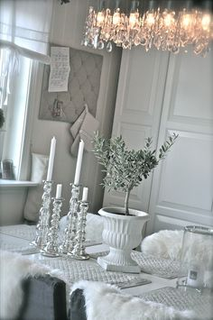 white, gray and silver Shabby Vintage, Shabby Chic, Painting Old Furniture, Living Room Redo, French Country Cottage, White Rooms, Dream Rooms, Cozy House, Home And Living