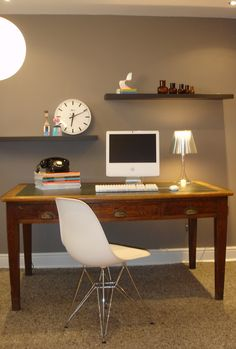 Vitra Eames DSR Chair (http://www.cimmermann.co.uk/product/dsr/), Wooden Dolls (http://www.cimmermann.co.uk/product/vitra_wooden_doll_no_3/), Flos Miss K (http://www.cimmermann.co.uk/product/miss_k_t/)