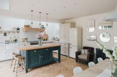 Down Pipe Island Unit - A Modern Country Farrow & Ball Downpipe And Skimming Stone Kitchen With Oak Parquet Flooring Grey Kitchen Island, Stone Kitchen, New Kitchen, Kitchen Decor, Kitchen Layout, Kitchen Ideas, Modern Country Kitchens, Home Kitchens, Kitchen Country