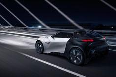 En teaser de l'édition 2015 du salon automobile de Francfort, Peugeot dévoile son nouveau concept car électrique baptisé FRACTAL un coupé cabriolet 4 places