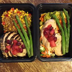 Who's excited to try our new Turkey Loin meals?!  #MEALPREPMURDER #OHNOMCMUSCLESDONTKILLEM #timetoeat #ofmonstersandmen #fitcouple #foodporn #swolemate #mealprep #mealprepmonday #mealprepsunday #mealprepservice #newjersey #healthygourmet #shredzarmy #shoplocal #shredz #physiquefreak #planetfitness #powerhousegym #crunchfitness #copycatswillcopy #lookgoodnaked #lookgoodfeelgood #traininsane by mcmuscles_