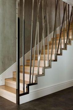 treppendesign holzstufen stahl rahmen dekorativ modernes haus