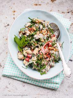 {Ottolenghi} Salat von gegrillten Zucchini und Tomaten mit Joghurt, Walnüssen, Kräutern und Ahornsirup
