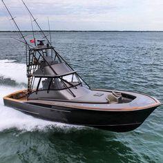 Introducing the brand new custom Jarrett Bay 46 GRANDER - an absolute fishing machine! Yacht by @jarrettbay Fishing gear by @grandercustomtackle by denison_superyachts