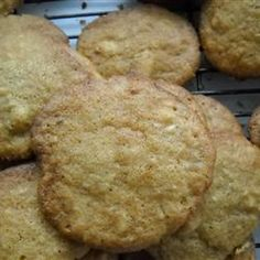 Trying to find recipes Macadamia Nut Cookies , our own site provides recipes Macadamia Nut Cookies that a person need Listed here are the te. Vegetarian Chocolate, Chocolate Recipes, Macadamia Nut Cookies, White Chocolate Macadamia, Chocolate Filling, Cookies Et Biscuits, Cookie Recipes, Good Food, Tasty