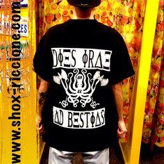 DIES IRAE...Octopus!!!oversize BAZE black/white full zip!!venite a trovarci allo SHOX urban clothing di viale dante 251 Riccione APERTI tutti i giorni anche la DOMENICA !per info e vendita contattateci su FB: @ SHOX URBAN CLOTHING ,spedizione €5-->free for order over €50!!! #oversize #baze  #diesirae #blackwhite #octopus #life #2015 #SHOX  #comevuoitu #sartoriainterna #fashion #like #fresh #streetwear #life #esclusivo #nuoviarrivi  #swag  #solodanoi  #unici #men #woman #instafashion #summer…