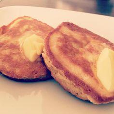 "42 curtidas, 5 comentários - Roksana🇵🇱🇬🇧 (@roxana.ketolov) no Instagram: ""Coconut flour pancakes 😍😍😍 soo delish !!! #eatfattoburnfat #fattofit #fat #fatburn #fatloss #keto…"""