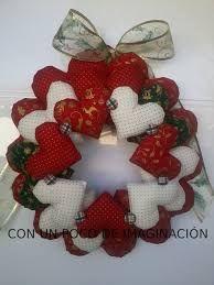 Resultado de imagen para corona de corazones navideña