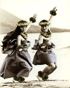 Hawaii     Hula dancers http://www.randyjaybraun.com/