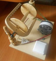 Elettrico Spinning Wheel Machine fatto a mano image 0 Spinning Wheel For Sale, Spinning Wool, Hand Spinning, Spinning Wheels, House Cleaning Tips, Cleaning Hacks, Modern Sewing Machines, Inkle Loom, Drop Spindle