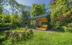 自然派作家もうらやむ?公園の木々に隠れる隠れ家「Thoreau's cabin」 | 未来住まい方会議 by YADOKARI | ミニマルライフ/多拠点居住/スモールハウス/モバイルハウスから「これからの豊かさ」を考え実践する為のメディア。