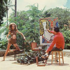 Genaro de Carvalho pinta retrato de Veruschka em Salvador, Bahia, em 1968. Fotografia de Franco Rubartelli.  Veja também: http://semioticas1.blogspot.com.br/2011/07/fala-da-moda.html