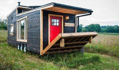 Eviniz küçüldükçe mutluluğunuz büyüyebilirmi?30 metrekarelik bu mobil eve sahipseniz, büyük olasılıkla mutluluğunuz büyür, kocaman olur, evlerden taşar. Kanada'daki sürdürülebilir yaşam kon…