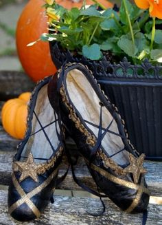 Steampunk ballet shoes. I want to do this with my old point shoes.