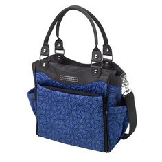 Inspired by cosmopolitan charm, the City Carryall diaper bag makes a statement worthy of the society pages and light work of your to-do list. Featuring clever pockets for organization, a built-in chan