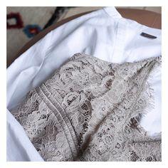 Gustav Instagram  Wardrobe essentials - lovely lace and a crisp white shirt  🙏🏻 Valkoiset 4db0009313