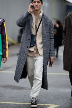 89 Cool Modest Winter Outfits For Men Street Style # Modest Winter Outfits, Winter Outfits Men, Copenhagen Street Style, Copenhagen Fashion Week 2018, Men Street, Men Looks, Mens Clothing Styles, Look Cool, Menswear