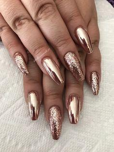 Gold Gel Nails, Gold Chrome Nails, Chrome Nails Designs, Rose Gold Chrome, Cute Acrylic Nails, Glitter Nail Designs, Chrime Nails, Chrome Nail Art, Gel Nail Art Designs
