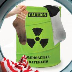 Cubo de material radioactivo, para la ropa sucia