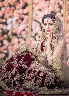 Sabyasachi Lehenga Bridal, Indian Wedding Lehenga, Pakistani Bridal Makeup, Bridal Lehenga Online, Pakistani Wedding Outfits, Designer Bridal Lehenga, Pakistani Dresses, Indian Dresses, Wedding Dresses
