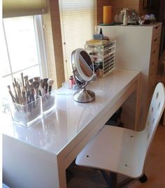 Convert an IKEA dressing table into a makeup vanity makes