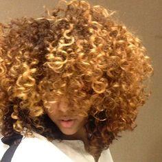 Cachos Color and curl #hairtopia