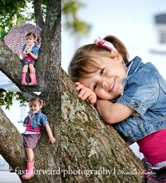 child photography 3 year old girl jean jacket tree pose girly umbrella piggy tales pink ribbon plaid skirt rain boots downtown Little Girl Photography, Cute Photography, Birthday Photography, Toddler Photography, Family Photography, Family Picture Poses, Picture Ideas, Photo Ideas, Cute Photos