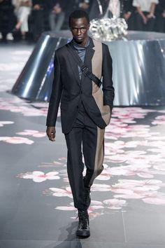 42e7408c2 Dior Men Pre-Fall 2019 Collection - Vogue High Fashion Men, Mens Fashion  Online