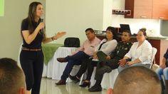 Encuentro de parejas para fortalecer familias saludables en la Policía Nacional .
